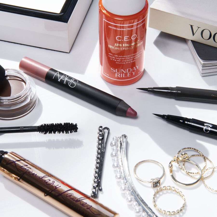 Chrissy Rutherford On Perfecting Graphic Eyeliner