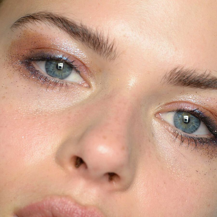 UNCOVERED   Rose Gold Makeup