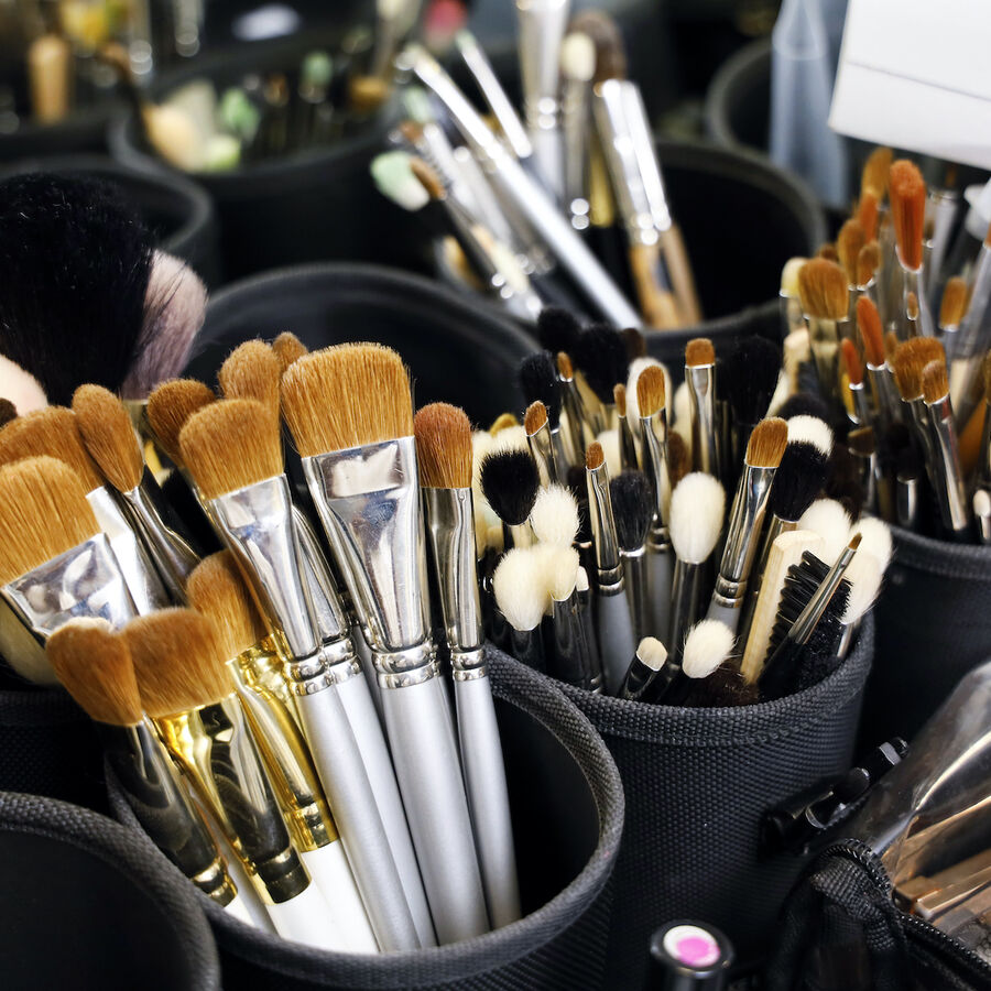 IN FOCUS | How To Clean Your Makeup Brushes