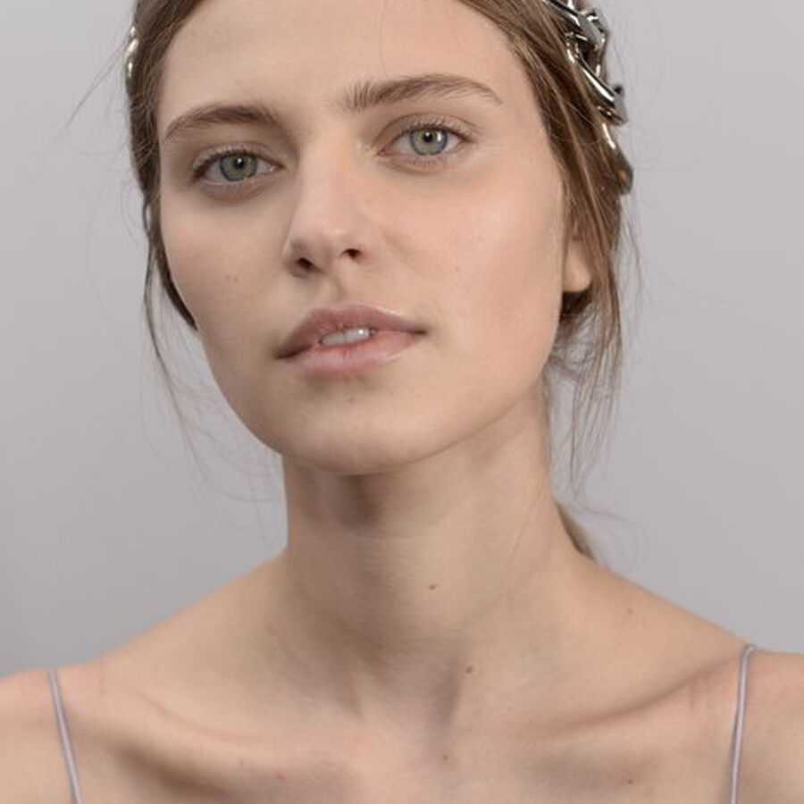 THE ART OF | Wearing Statement Headbands