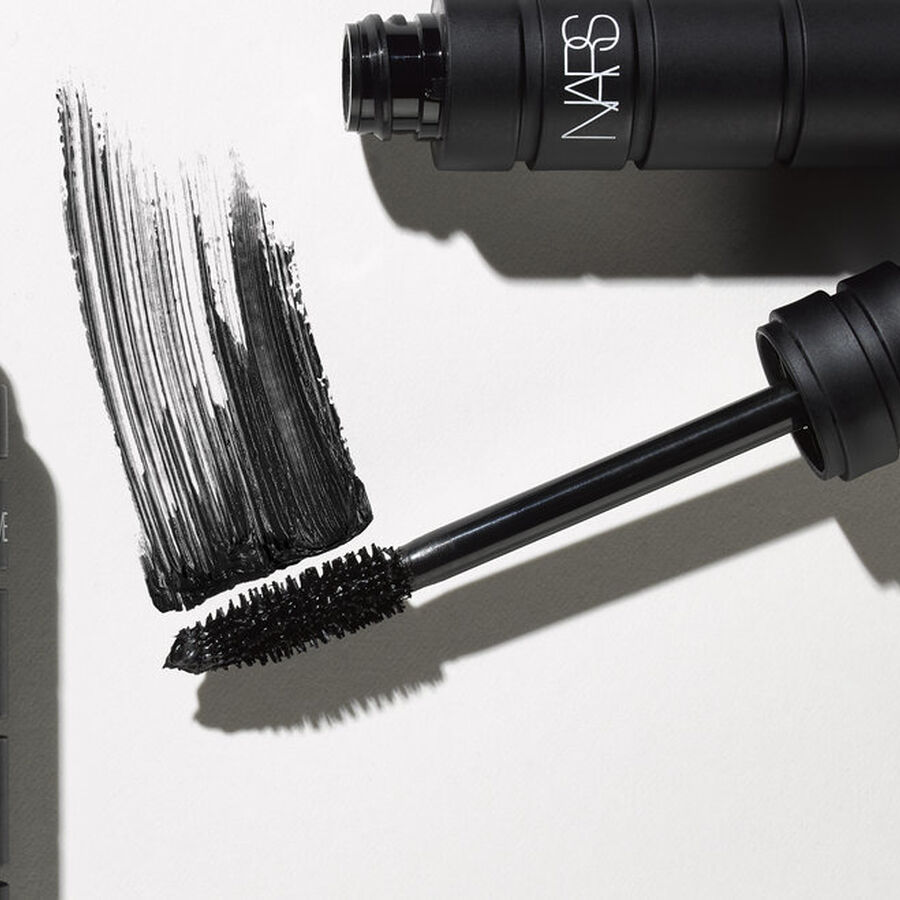 HOT LIST | Magic Wands: The Best Mascaras