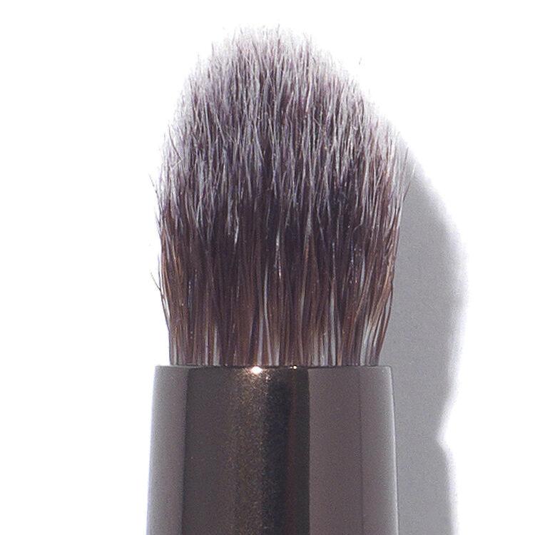 Nº 13 Precision Smudge Brush, , large