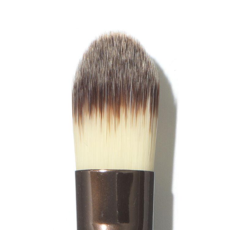 No. 8 Large Concealer Brush, , large