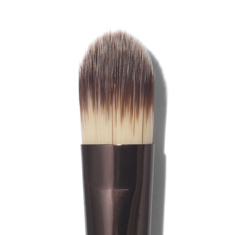 No. 5 Concealer Brush, , large