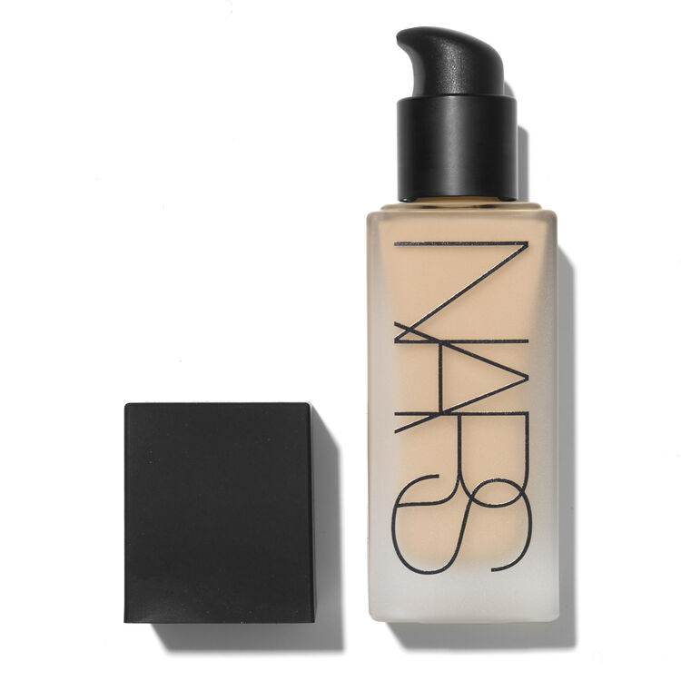 All Day Luminous Weightless Foundation, MONT BLANC, large
