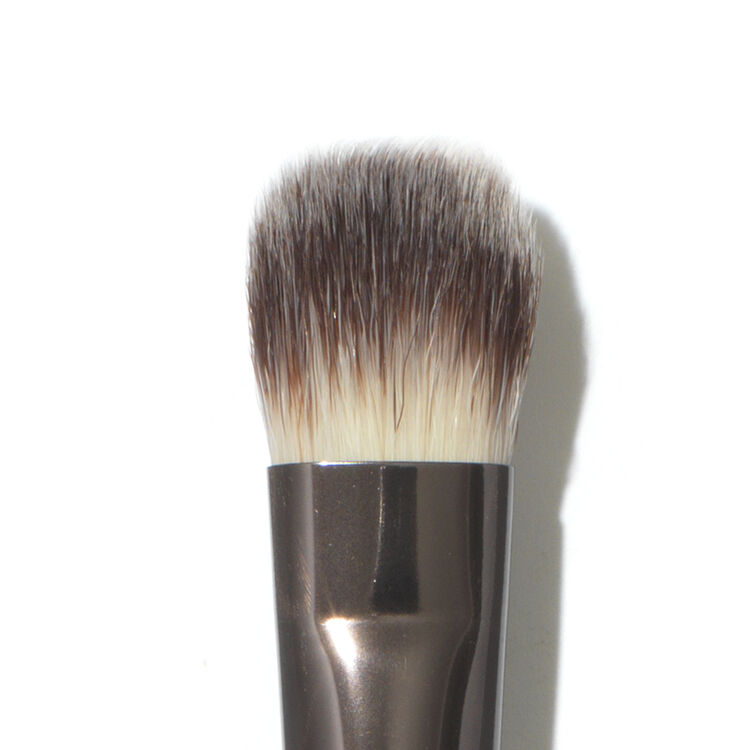 All-Over Shadow Brush Nº 3 by Hourglass #11