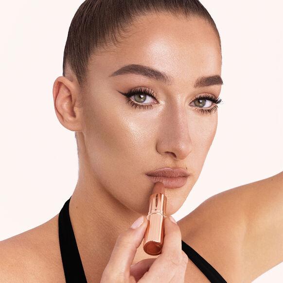 Matte Revolution Lipstick - Limited Edition, CATWALKING, large, image5