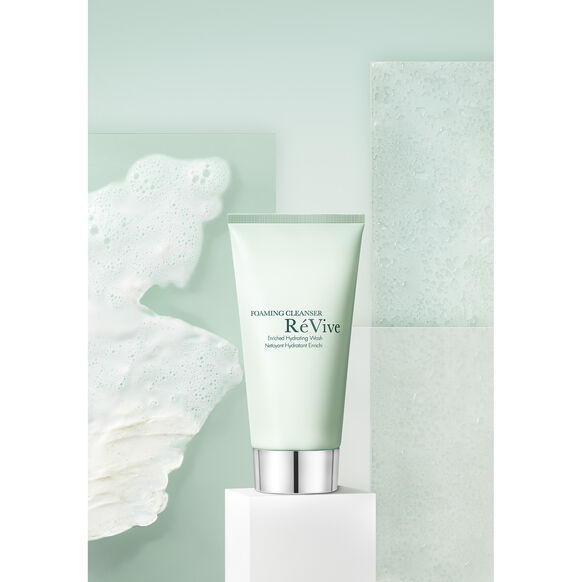 Foaming Cleanser Enriched Hydrating Wash, , large, image5