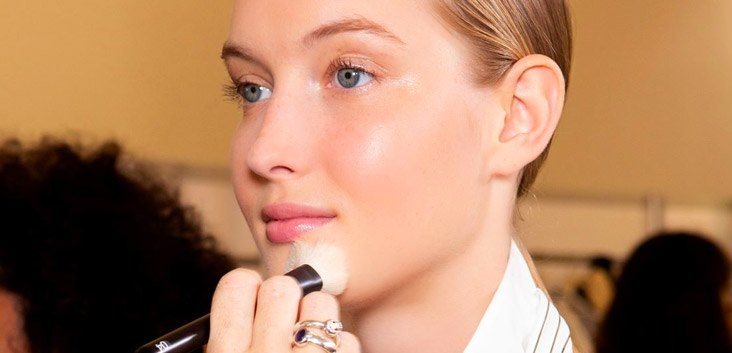 How To Disguise Redness Fast