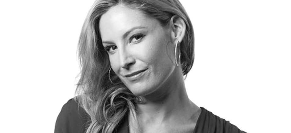 Pro Artist Maureen Lynch