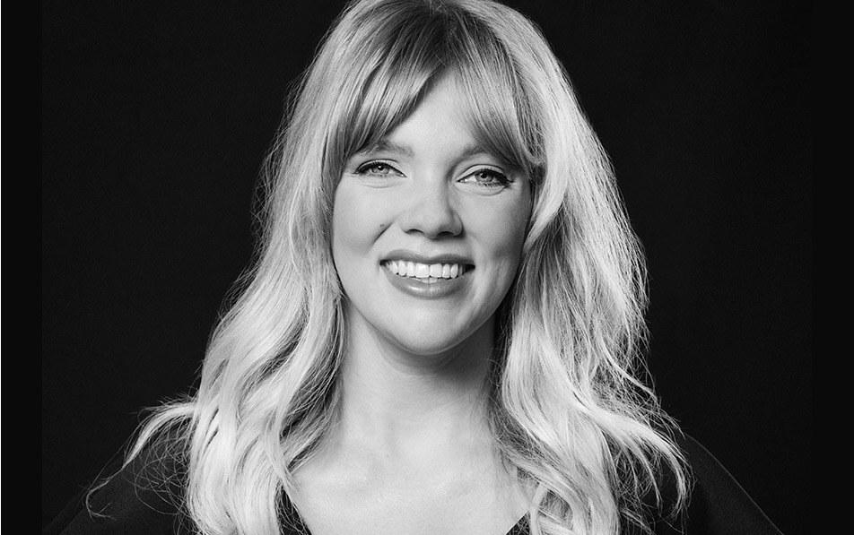 Pro Artist Mimi Meyers